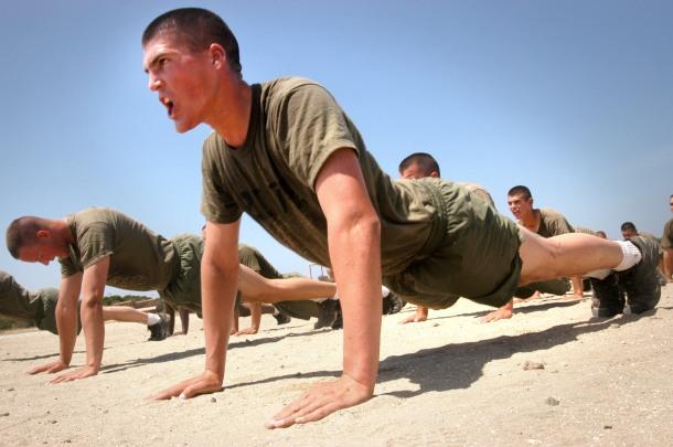 Marines_do_pushups