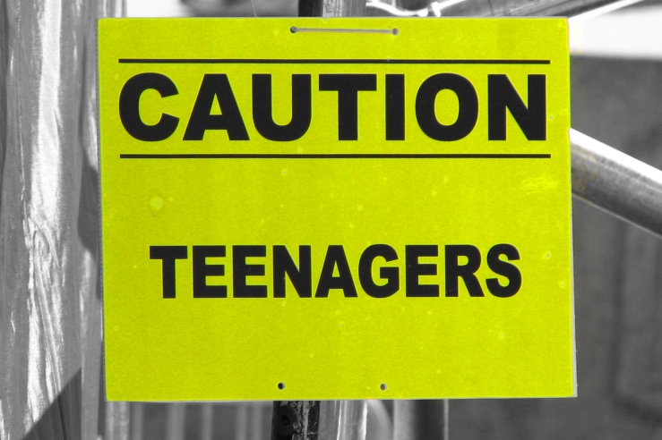 2006-09-10 - United Kingdom - England - London - Trafalgar Square - Sign - Cutout - Yellow - Caution Teenagers