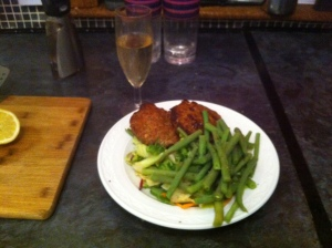 Turkey burgers and a cheeky wee glass of fizz...