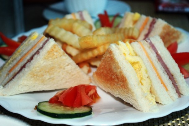 clubhouse-sandwich-13705898818XB